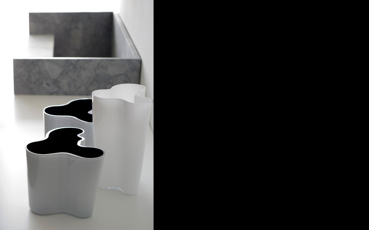 Update Your Kitchen Cabi s 13 Stylish Interior Ideas likewise Cocinas Orientales also White Island Kitchen Backsplash Ideas additionally Bulthaup Kitchen Design Ideas besides Contemporary Kitchen. on bulthaup wall cabinet